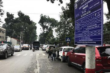 Hàng loạt bãi xe dù xuất hiện sau quyết định tăng phí