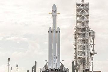Elon Musk sẽ phóng 'tên lửa mạnh nhất thế giới' trong tháng 1
