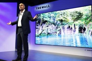 Samsung ra mắt TV to bằng nửa màn hình rạp phim