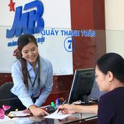 MBBank chi bình quân 25 triệu đồng/tháng cho mỗi nhân viên, lãi 615 tỷ nhờ bán MCredit