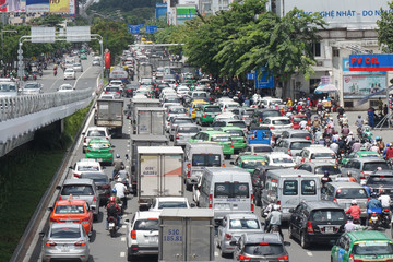 Quỹ đất giao thông thấp, mỗi giờ kẹt xe TP HCM thiệt hại 2,4 tỷ đồng