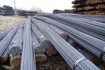 Giá thép giảm gần 1% kéo theo giá quặng sắt cũng giảm mạnh