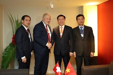 Phó thủ tướng tìm cơ hội cho Việt Nam ở Davos