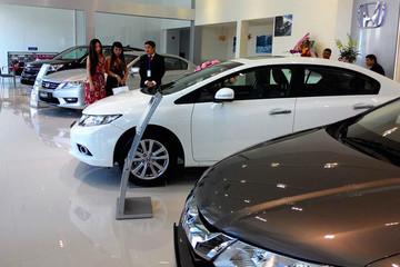 Đại lý ôtô không có xe giao cho khách hàng sẽ phải đền gấp đôi tiền đặt cọc