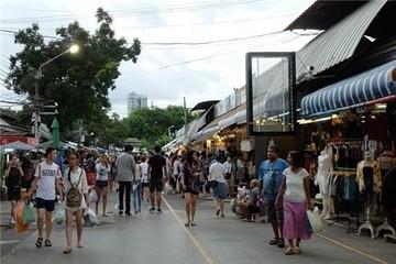 Ứng xử với kinh tế vỉa hè qua góc nhìn của du học sinh người Thái Lan
