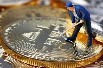 Thị trường tiền ảo chìm trong sắc đỏ, bitcoin xuống gần mốc 6.500 USD