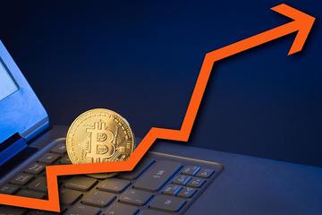 Bitcoin, Ripple phục hồi thần tốc sau ngày đỏ sàn cùng chứng khoán
