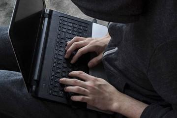 Mỹ bắt nhóm tội phạm lừa đảo xuyên lục địa 7 năm tuổi