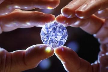 Viên kim cương trắng 'không tì vết' lớn nhất thế giới
