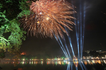 1,5 triệu đồng một vé xem pháo hoa đêm Giao thừa tại Hà Nội
