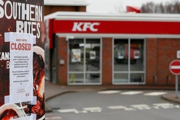 Thiếu gà, KFC đóng gần hết cửa hàng ở Anh