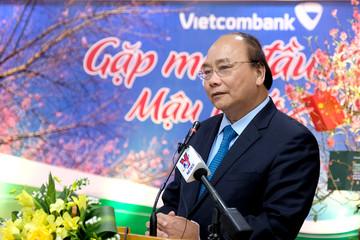 Thủ tướng gặp mặt cán bộ VietinBank và Vietcombank ngày khai xuân
