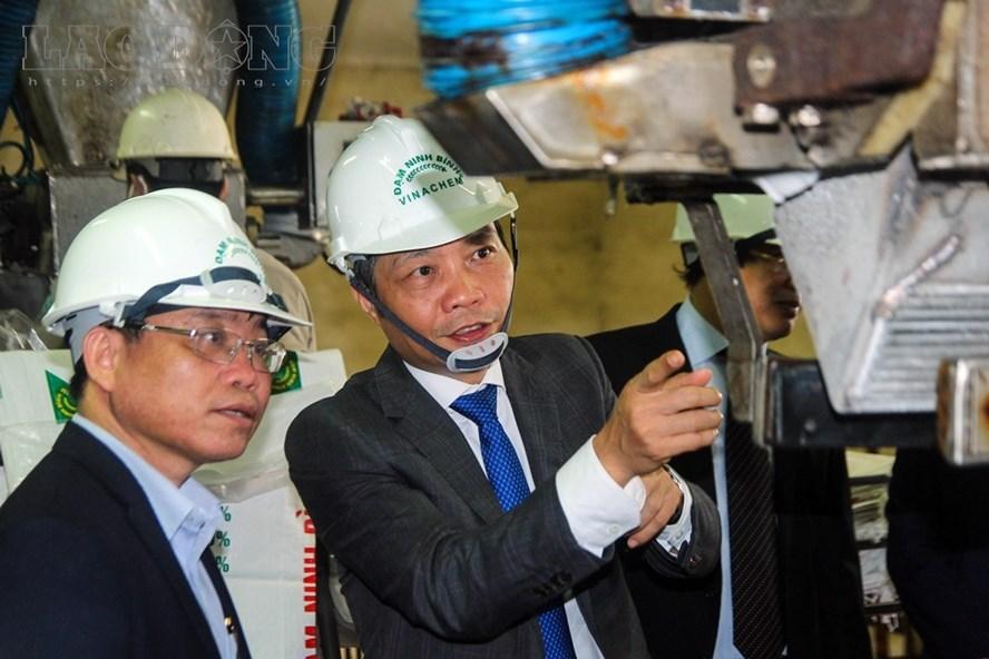"""Bộ trưởng Công Thương: """"Nhà máy đạm Ninh Bình hãy tự cứu mình"""""""