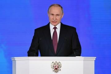 Putin: Thế giới đang phải lắng nghe nước Nga