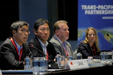 Vừa xong ký kết, các nước TPP đã ráo riết 'săn' thêm thành viên