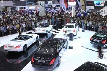 Lượng xe nhập khẩu giảm, doanh số thị trường ôtô tháng 2 'rơi tự do'