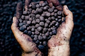 Giá quặng sắt giảm mạnh, thủ phủ thép Trung Quốc kéo dài lệnh hạn chế sản lượng qua ngày 15/3