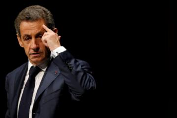 Cựu tổng thống Pháp bị bắt giữ vì cáo buộc liên quan đến chiến dịch tranh cử