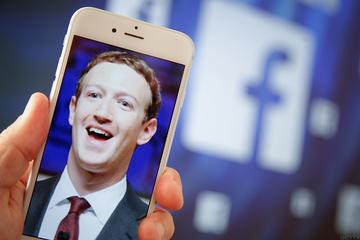 """Để biết những thứ """"Facebook biết về bạn"""""""