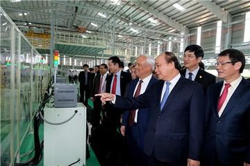 Thủ tướng: Chính phủ đối xử bình đẳng với các nhà sản xuất, lắp ráp ô tô