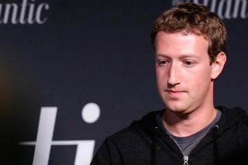 Mark Zuckerberg mua nguyên trang báo để nói 'xin lỗi'