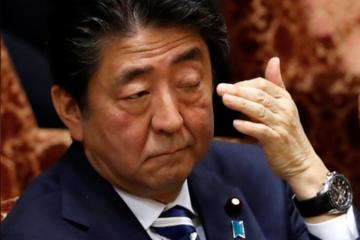 Người Nhật muốn Thủ tướng Abe từ chức vì bê bối đất đai