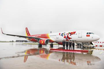Vietjet nhận máy bay mang biểu tượng 45 năm quan hệ Việt - Pháp