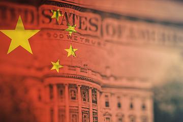 Giữa lúc căng thẳng với 'chủ nợ' lớn nhất, Mỹ cần vay gần 300 tỷ USD trong tuần này