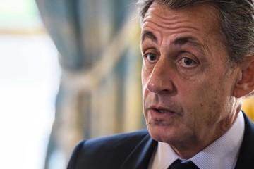 Cựu tổng thống Pháp đối mặt án tham nhũng