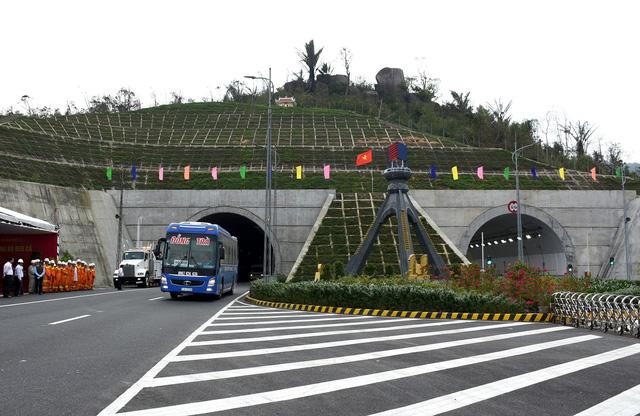 Thu hồi 1.180 tỉ vốn trái phiếu Chính phủ dự án hầm Đèo Cả