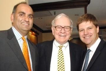 Bài học từ 2 người bỏ 650.000 USD để ăn trưa với Warren Buffett