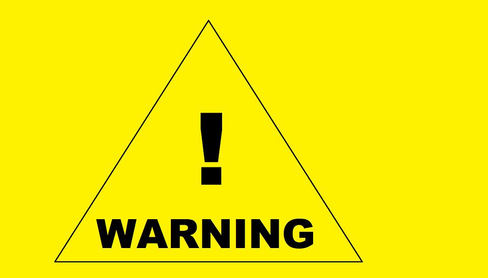 Loạt cổ phiếu rơi vào diện cảnh báo, kiểm soát trên HOSE và HNX