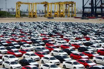 Ô tô thuế 0% về nhưng giấc mơ xe giá rẻ của người Việt