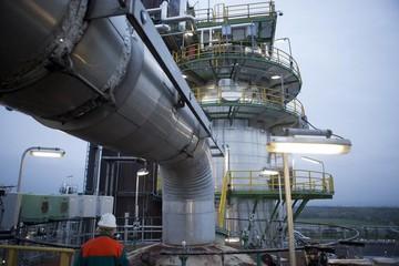 Giá dầu thô giảm mặc dù nguồn cung dầu WTI giảm