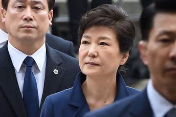 Cựu tổng thống Park Geun Hye bị tuyên 24 năm tù