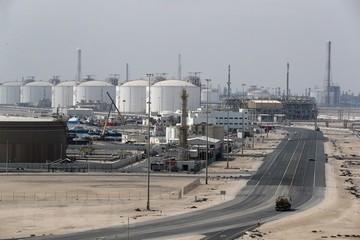 Qatar: Quá sớm để OPEC rút lại thỏa thuận cắt giảm sản lượng