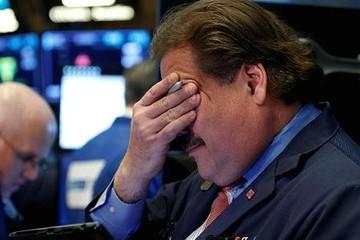 Dow Jones 'bốc hơi' 572 điểm trong phiên giao dịch cuối tuần