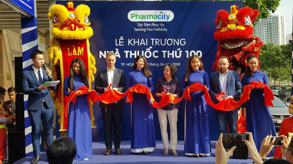 Chuỗi Long Châu do FPT Retail đầu tư mới mở 10 cửa hàng thì Pharmacity đã chạm 100