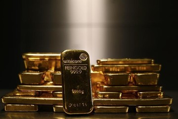 Giá vàng cuối tuần tiếp tục tăng