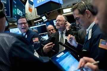 Dow Jones giảm 123 điểm phiên cuối tuần