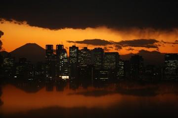 IMF: Kinh tế toàn cầu sẽ tăng trưởng chậm lại sau 2019