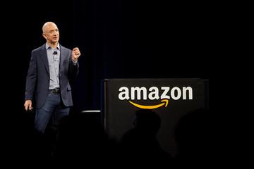 Amazon lạc quan tương lai, 'phớt lờ' Tổng thống Donald Trump