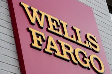 Ngân hàng lớn thứ 3 nước Mỹ nộp phạt một tỷ USD vì thu phí vô lý