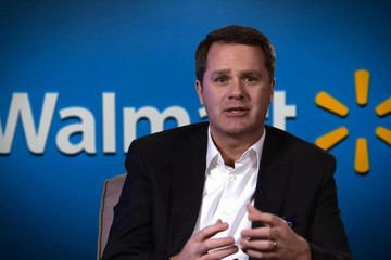 Sếp Walmart nhận lương thưởng cao gấp gần 1.200 lần nhân viên