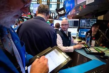 Dow Jones giảm gần 200 điểm phiên cuối cùng tháng 4