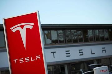 Tesla mất 2 tỷ USD giá trị vì CEO không trả lời câu hỏi