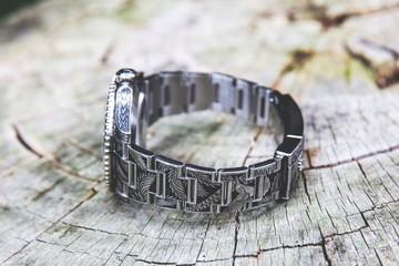 Đồng hồ Rolex được điêu khắc bằng tay như thế nào?
