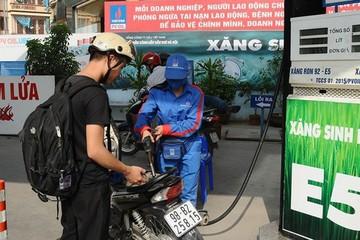 Nếu bỏ bán xăng RON 95, giá xăng E5 sẽ tăng vùn vụt?