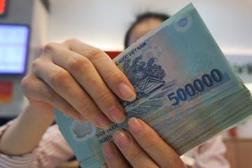 Ngân hàng nào tăng lương nhanh nhất?