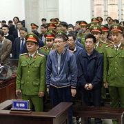 Bị cáo Trịnh Xuân Thanh xin rút kháng cáo tại cả hai bản án, xin vắng mặt vì lý do sức khỏe
